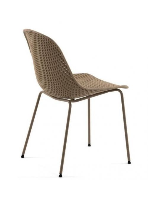 CHAISE QUINBY