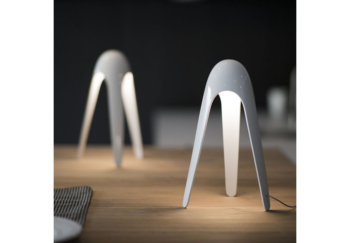 LAMPE DE TABLE CYBORG