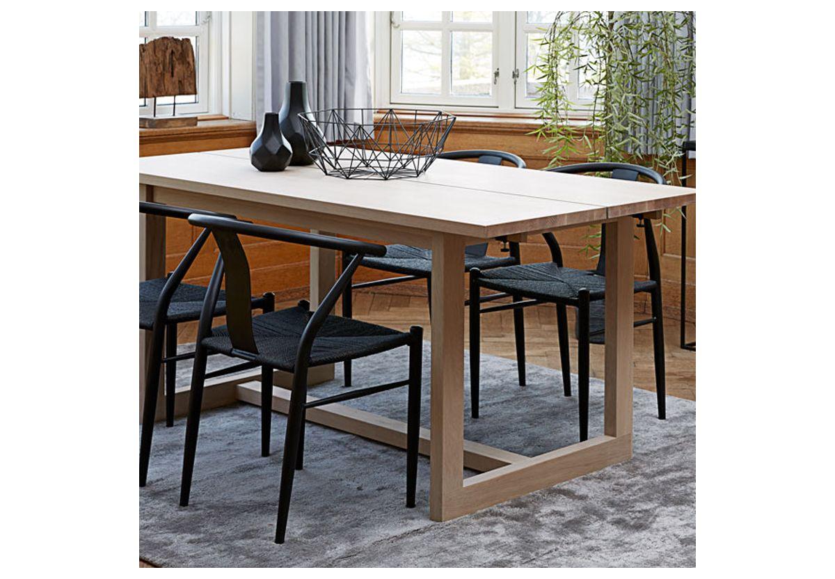 TABLE BINLEY